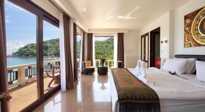 Hello Islands | Crystal Bay Beach Resort
