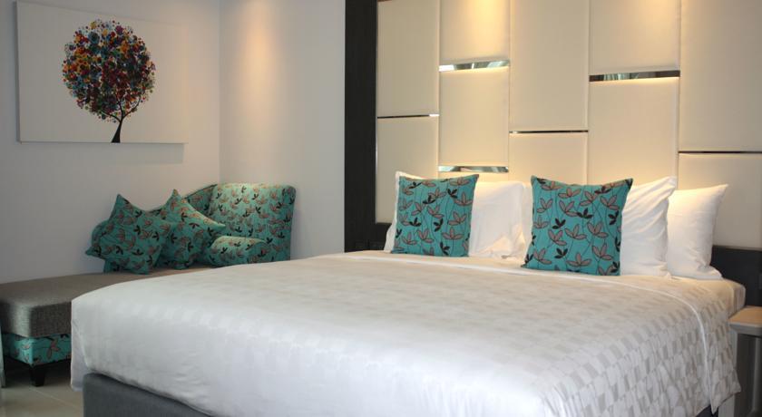 Hello Islands | Hotel Clover Asoke